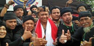 Irjen Anton Charliyan (tengah) Didaulat Sebagai Dewan Karamaan Majelis Adat Sunda (Foto via pojoksatu)