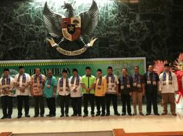 Foto Bersama Ketua Umum Bamus Betawi, Wakil Ketua BPK RI dan Senior FKMB di pelantikan dan rapat kerja Forum Komunikasi Mahasiswa Betawi (Foto Istimewa/Nusantaranews)