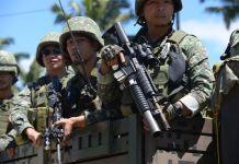 Militer Filipina mengklaim Marawi telah ditaklukkan dan pemimpin kelompok Maute, Isnilon Hapilon dan Omarkhayam Maute tewas. (Foto: AFP/Ted Aljibe)