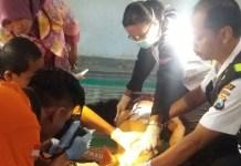 Pihak Berwajib Mengidentifikasi Warga yang Gantung Diri (Foto Nurcholis/Nusantaranews)