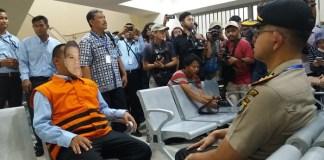 Simulasi Jenguk Tahanan di Ruang Jenguk Rutan yang Baru oleh KPK di ruang jenguk. Foto Restu Fadilah/ NusantaraNews