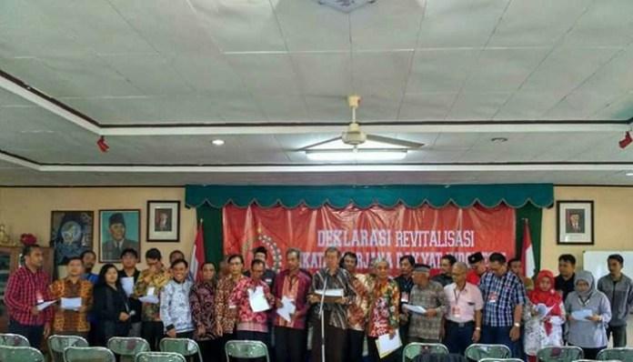 Para Sarjana Marhaenis mendeklarasikan kembalinya Ikatan Sarjana Rakyat Indonesia (ISRI) di Yogyakarta, Sabtu (11/11/2017). Foto Gani S/ NusantaraNews