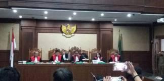 Sidang Setya Novanto dengan nomor register 130/Pid.Sus-TPK/2017/PN Jkt.Pst tertanggal 6 Desember 2017 di Tipikor. Foto: Restu Fadilah/NusantaraNews