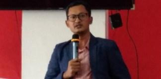 "Penulis buku ""Milenial Nusantara"" Hasanuddin Ali saat saat menjadi pembicara pada launching Forum Diskusi Pengurus Besar Pergerakan Mahasiswa Islam Indonesia (Fokus PB PMII), oleh PB PMII bidang opolitik, advokasi dan kebijakan publik di Graha Mahbub Junaidi, Jakarta, Selasa (23/1/2018). Foto: Achmad S./ NusantaraNews"