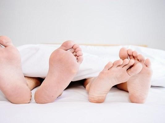 Pasangan di ranjang