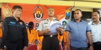 Wakapolres Sumenep, Kompol Sutarno saat memberikan keterangan di Mapolres Sumennep. (Foto: Mahdi Alhabib/NusantaraNews)