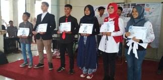 Para pemenang Bintang Radio 2018 BCCF divisi musik yang digelar di Terminal Bus Bumiayu. Foto: NUSANTARANEWS.CO/ BCCF