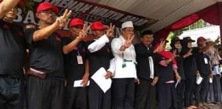 Ikhwan pondok pesantren Suryalaya se-Jawa Barat deklarasikan dukungannya kepada pasangan Hasanah. (Foto: Istimewa)