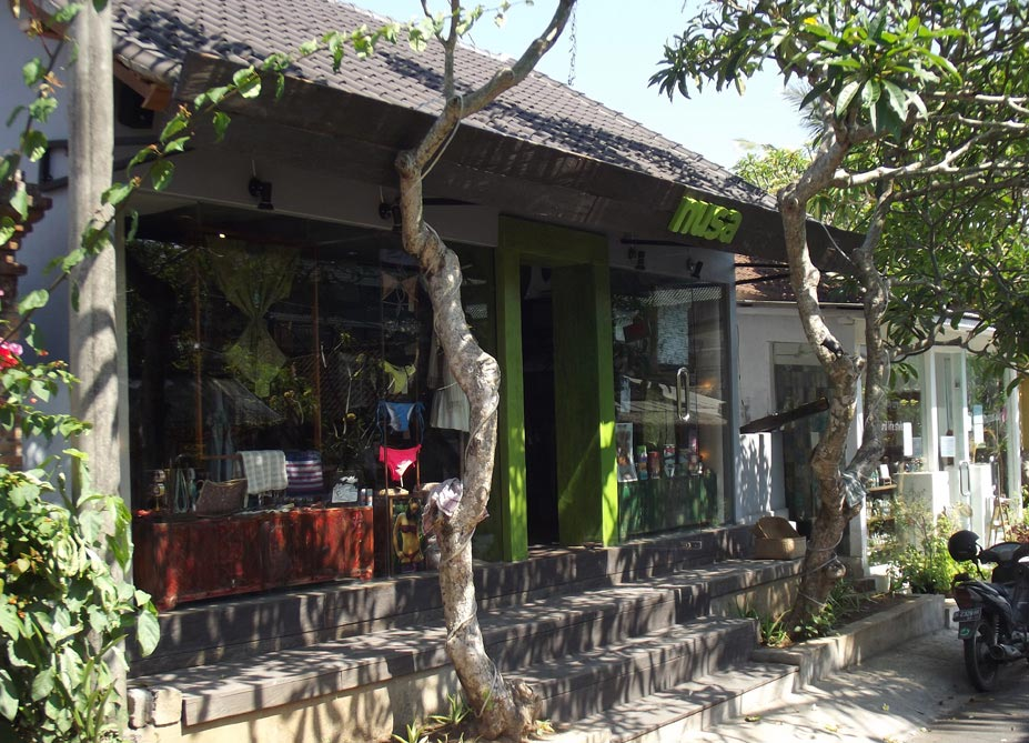 nusa surf shop ubud