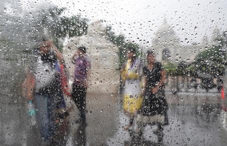 बारिश के मौसम में कैसे रखें अपनी सेहत का ख़याल | Baarish ke mausam mein kaise rakhein apni sehat ka khayal