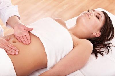 जानिये पेट की मालिश के सेहत के लिए यह 9 फायदे , Jaaniye pet ki maalish ke sehat ke liye yeh 9 faayde, Top 9 Benefits of Abdominal Stomach Massage
