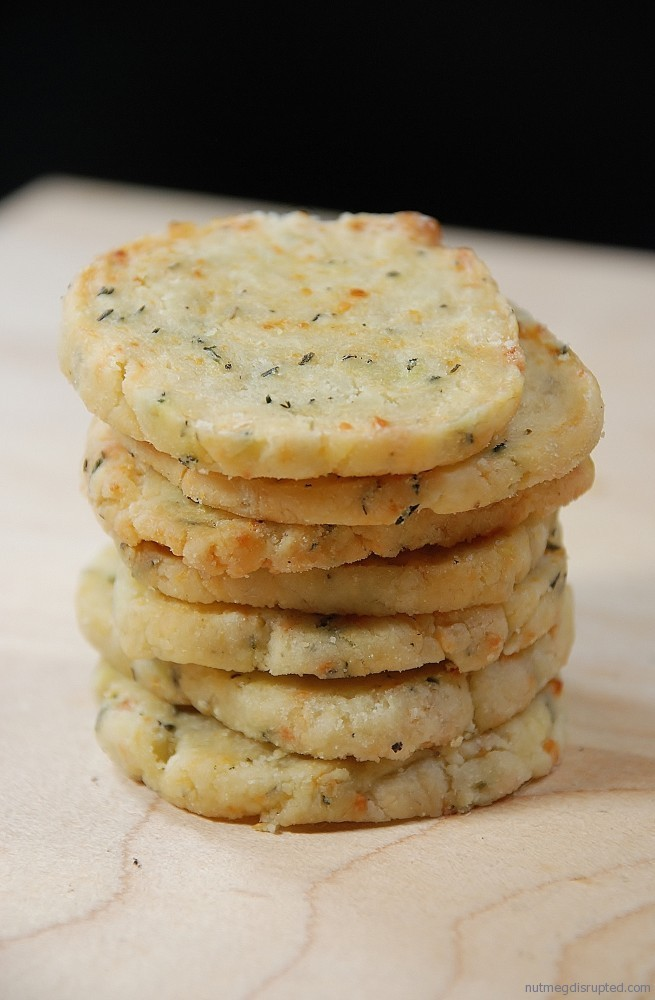 Reggiano Thyme Crackers from Nutmeg Disrupted