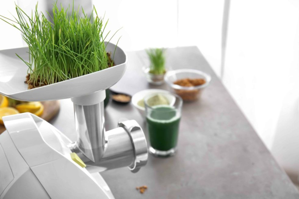 Juicer making wheatgrass