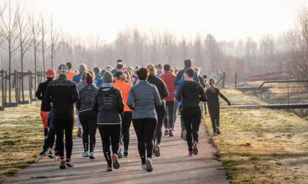 運動量只要增加一點就對健康有幫助!動起來吧~