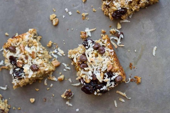 Soft-Baked-Oatmeal-Chocolate-Chip-Bars-3