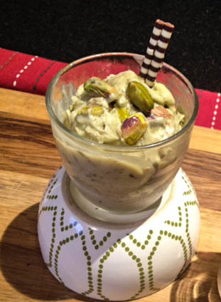 pistachio cashew icecream (1 of 1)