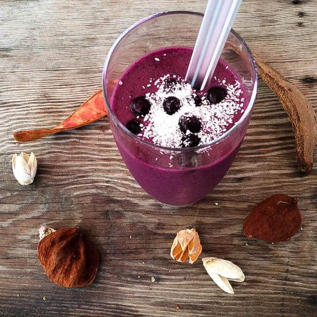 fall-festive-wild-blueberry-smoothie-copy