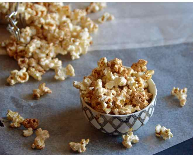 healthy popcorn with spices