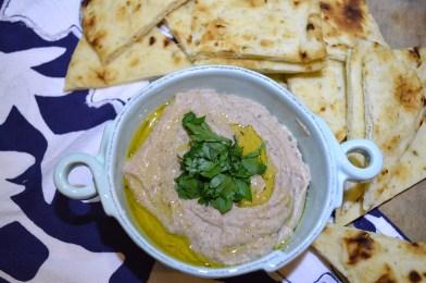 Complete Blackeye Pea Hummus w:Naan