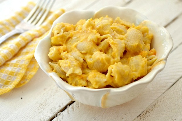 Beat Stress Healthy Butternut Squash Mac N Cheese Comfort Food Wood Table Ginghan Napkin Fork White Bowl