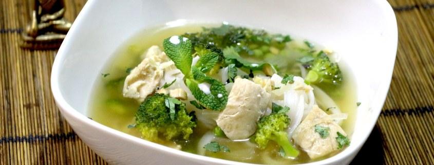 soupe asiatique au poulet citronnelle