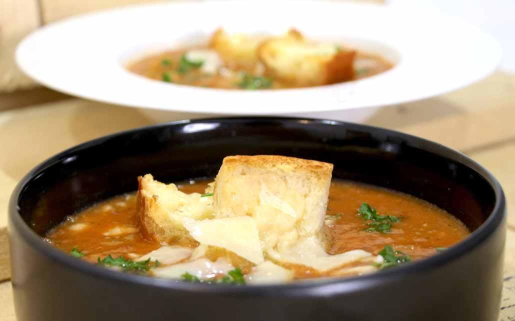 soupe italienne à la tomate haricots