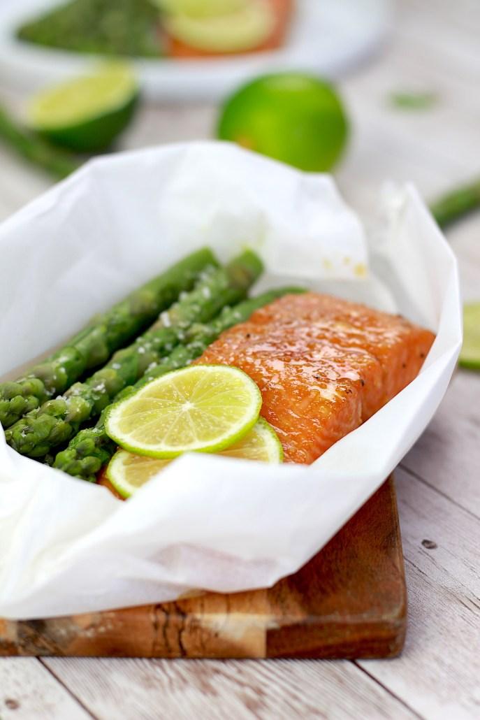 saumon en papillote citron vert asperges
