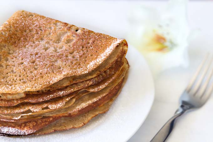 sweet crepes with bananas, oat flour and brown rice flour