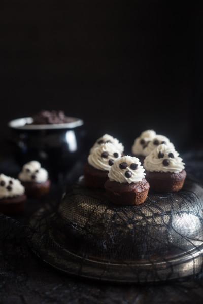 Banana Ghost Cupcakes- FoodFaithFit