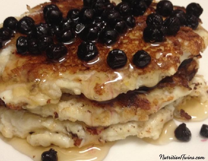Blueberry_Pro_pancakes3CROP2