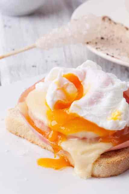 Poached eggs, cholesterol concept
