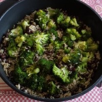 Riso, broccoli e fagioli neri