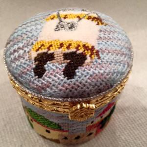 jewish needlepoint hinged box