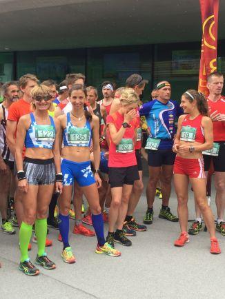 Kichern vor dem Start, Susis Muskeln sind locker ;-) Copyright: Erich Rettenegger