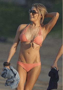 Leann Rimes in Hawaii