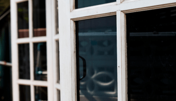 The Differences Between Regular & Ceramic Window Tint