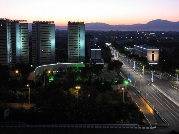 Самые заметные стены Ташкента