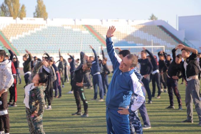 Узбекистан возрождает производственную гимнастику на предприятиях и организациях