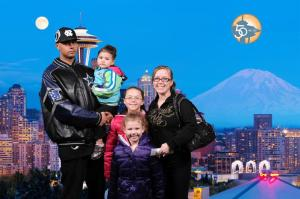 kenny-and-fam-at-the-space-needle