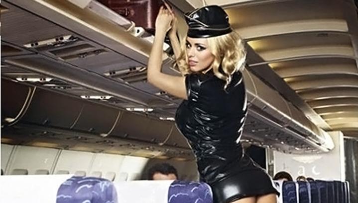 Миллион долларов за год заработала стюардесса , оказывая пассажирам интим-услуги