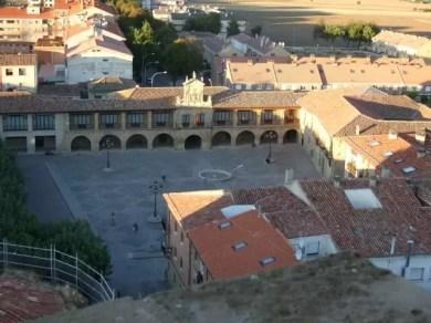 Santo_Domingo_de_la_Calzada_-_Plaza_de_España (Small)