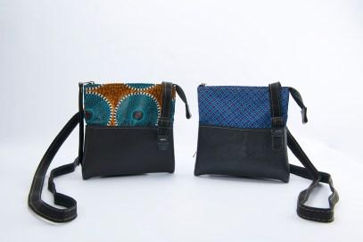 N&N Cosmetic Shoulderbag ShweeShwee and Brown_Blue Standing_2 2000pix
