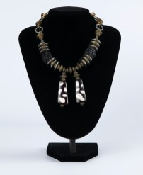 Necklace Black and Brown