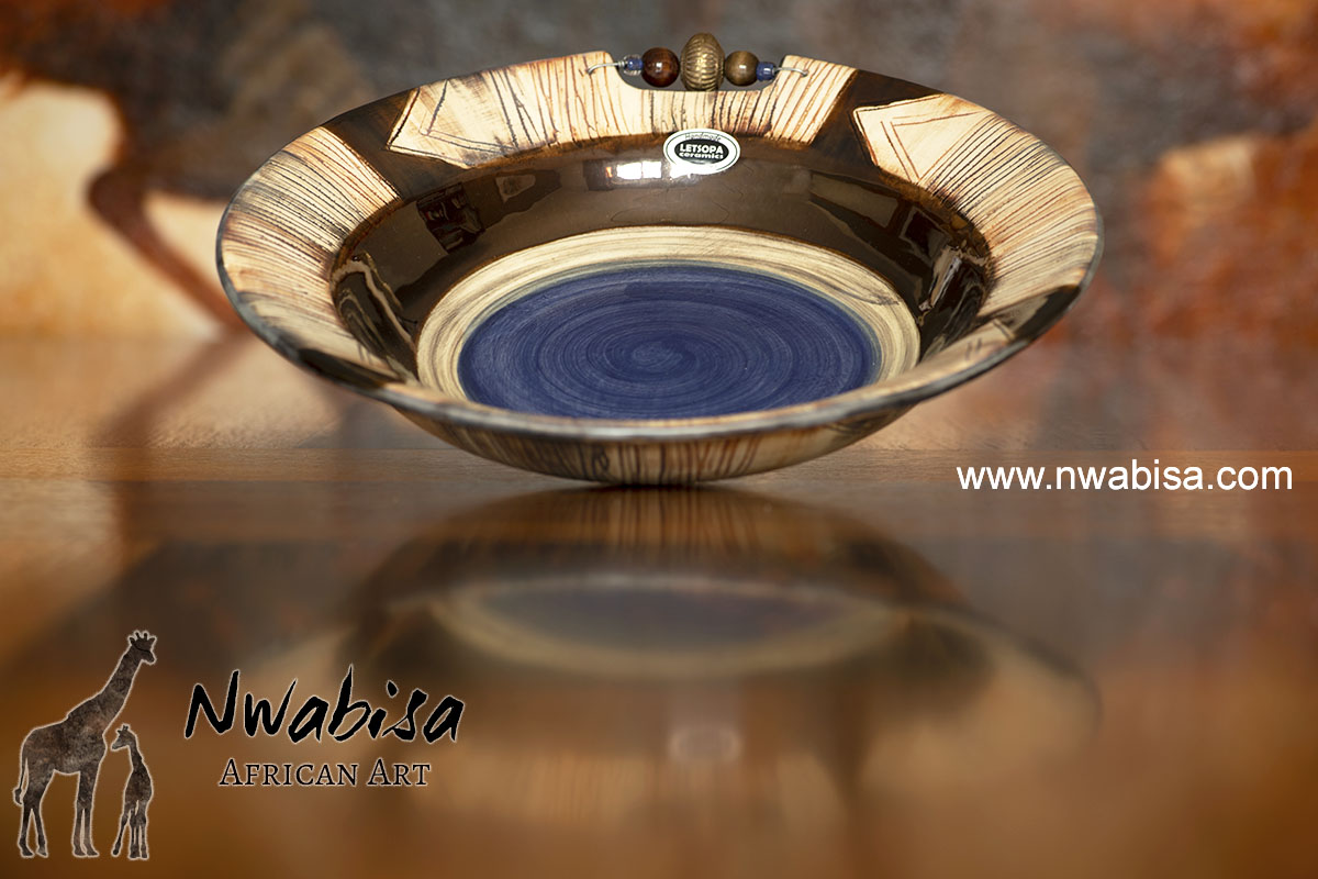 Ceramic bowl handmade in South Africa Earth tones to give a warm feeling Letsopa bowl