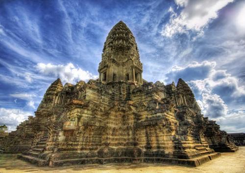 https://i0.wp.com/nwasianweekly.com/wp-content/uploads/2014/33_29/travel_cambodia.jpg?resize=500%2C352