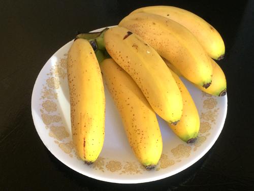 https://i0.wp.com/nwasianweekly.com/wp-content/uploads/2014/33_32/blog_bananas.JPG?resize=500%2C376