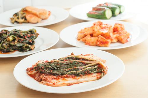 https://i0.wp.com/nwasianweekly.com/wp-content/uploads/2014/33_34/food_kimchi.jpg?resize=500%2C332