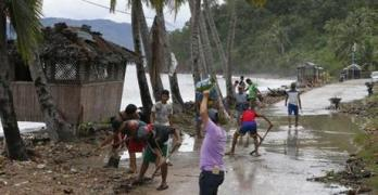 Typhoon kills 6, spoils Christmas festivities in Philippines