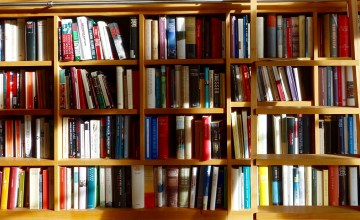 Many books on a bookshelf