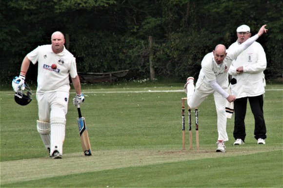 North Wales Cricket Premier: Bangor maintain title push with another win